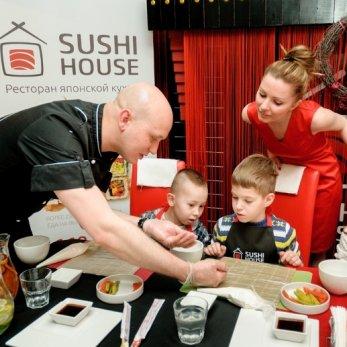 Шеф-повар Sushi House о том, настоящие ли мы едим суши и как правильно готовить их дома