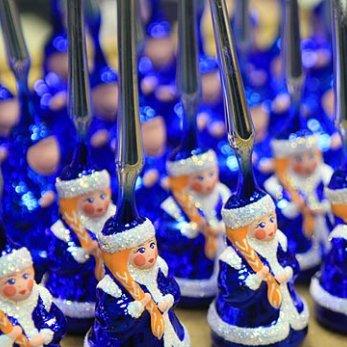 На выходных: делаем новогодние украшения своими руками, идем на выставку елочных игрушек и покупаем подарки к праздникам!