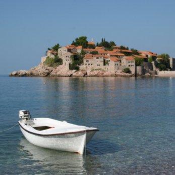 Турагенты: «Скоро начнутся стоп-сейлы по Болгарии, Греции, Испании, и народ побежит покупать Черногорию»