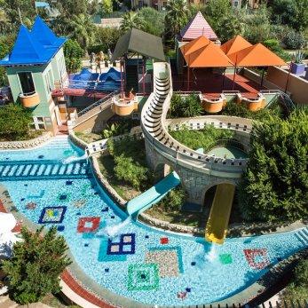 «АэроБелСервис» презентует турецкий бренд Emir Hotels и ставит дополнительный рейс в Анталью