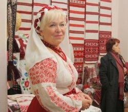 В Гомеле открылась выставка белорусского костюма и рушника «Славянская крыніца»
