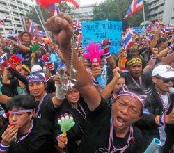 Туристам не рекомендуют посещать Бангкок