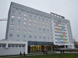 Первая из четырех гостиниц экономкласса, которые строят в Минске специально к чемпионату мира по хоккею, сдана в эксплуатацию