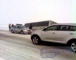 Под Брестом чудом не перевернулся автобус с украинскими детьми