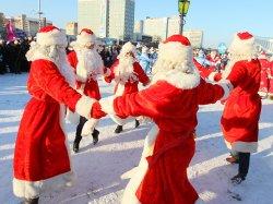 В традиционном шествии Дедов Морозов и Снегурочек в Минске примет участие новый персонаж