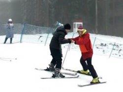 В Беларуси детей-сирот обучили искусству зимних видов спорта