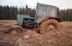 Из-за плохих дорог гостей обряда «Женитьба Терешки» доставляли на хутор в кузове трактора