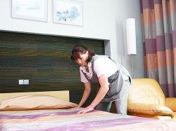 В Минске заработал короткий номер для трудоустройства персонала в новые гостиницы. Требуется 1600 человек
