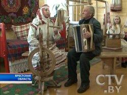В Брестской области возрождают традицию ткачества народного костюма