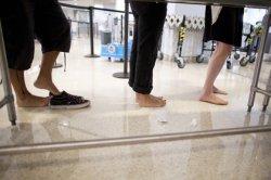 США просят тщательнее досматривать обувь авиапассажиров