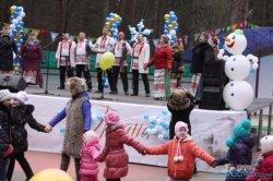 Александр Глеб, украинские и белорусские хоккеисты, бои мешками, блины – в Гродно встретили весну (фотофакт)