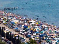 Россия призвала граждан ехать отдыхать в Крым – там спокойно, море впечатлений и подешевело на 50%. МИД Украины: это издевательство
