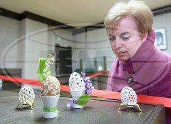 Выставка работ мастера резьбы по скорлупе яиц Александра Рыжевского проходит в Музее белорусского народного искусства