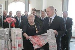 Лукашенко: мы правильно сделали, возродив производство слуцких поясов