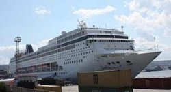 Из-за ситуации в Крыму круизный корабль причалил в Болгарии