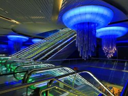Первые шесть станций метрополитена Дубая превратятся в музеи и арт-галереи