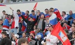Случились первые конфликты, связанные с российскими туристами, прибывшими на чемпионат мира по хоккею