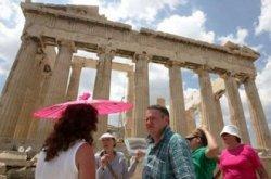 Веб-сайт CNN предлагает список мировых достопримечательностей-«ловушек», которые захватывают туристов