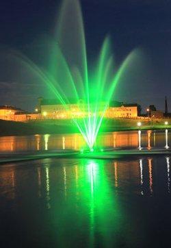 Плавающий фонтан подарили Глубокому к 600-летию жители района