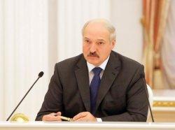 Лукашенко предложил оставить в сокращенном виде работу фан-зон как места отдыха и торговли