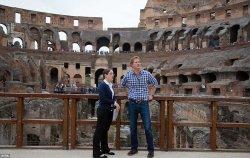 Принц Гарри осмотрел Колизей вместе с туристами