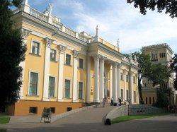 Лучшие оркестры Гомеля будут играть по воскресеньям на пандусе дворца Румянцевых и Паскевичей