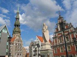 Латвийский экскурсовод: возмутителями общественного спокойствия чаще становятся не россияне, а туристы из западных стран