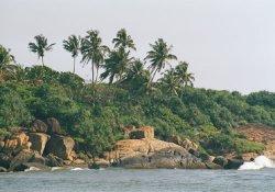 В двух курортных городах на юге Шри-Ланки введен комендантский час