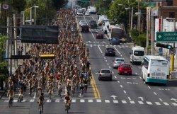 В Мехико прошел ежегодный голый велопробег