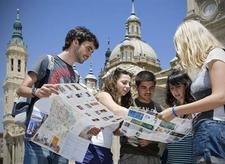 Молодые туристы выбирают для отдыха США,Францию и Испанию