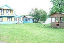Домики базы отдыха Гать в Барановичском районе продадут с молотка