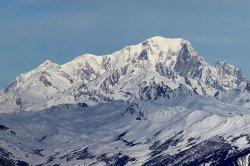 Французский альпинист не смог завершить восхождение на Монблан из-за кражи ботинок