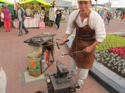 Искусности белорусских мастеров на выставке-ярмарке «Белорусский сувенир» возле Дворца спорта позавидовал бы даже Левша