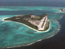 Пассажирский «Боинг» совершил экстренную посадку на заброшенной авиабазе в Тихом океане
