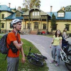 Необычная экскурсия: В Лошицу – на машине времени и… велосипедах