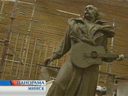 В Екатеринбурге установят четырехметровую скульптуру Владимира Мулявина