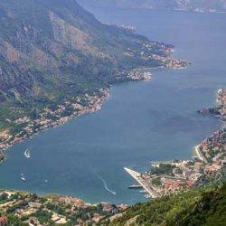 Найти места в автобусах, отправляющихся  в августе в Черногорию, уже проблематично, а вот на сицилийских чартерах – запросто