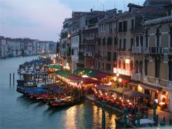 Туристический налог увеличится в Риме и Венеции