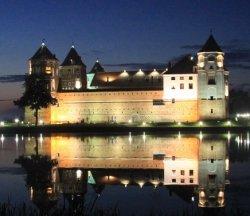 На выходных: «Прызба-фэст», праздник огурца или музыкальный фестиваль у стен Мирского замка