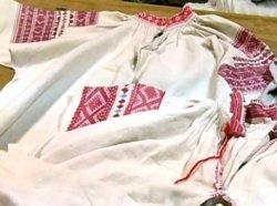 В Беларуси бум на рубашки с национальными орнаментами