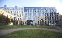 Огромный портрет Виктора Цоя белорусской арт-группы HoodGraff  появился в центре Петербурга