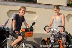 Велотуристы из Германии пересекли всю Европу, чтобы увидеть памятник Ленину в Гродно