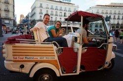 Мадрид: на улицы испанской столицы вернулся туристический «тук-тук»