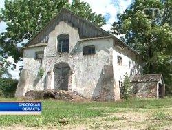 Вход в подземные монастырские галереи Тороканьского монастыря (XVI век) нашли в Брестской области