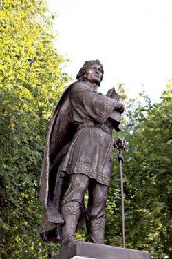 В Заславле открыт памятник основателю города Изяславу