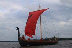 Туристам в Беларуси предложат путешествие на корабле викингов
