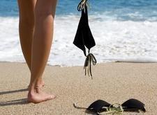 Нудизм практикуется на 450 испанских пляжах