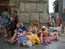 Клиентов «Южного Креста» выселяют из отелей Греции на улицу