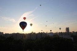 В небо над Курасовщиной поднялись более 20 воздушных шаров