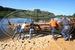 Корабль – реконструкцию судна викингов спустили на воду в Березовке